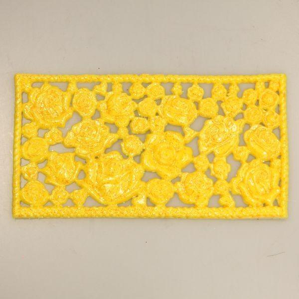 Wachsornament-Platte Rosen, ca. 16cm x 8cm, Gelb mit Glimmer